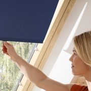 Velux Рулонна штора на гачках RHL до вікна 94 х 118